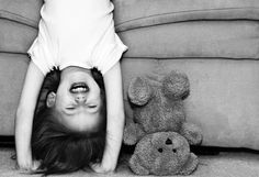 Black and white photography Children Photography, Photography Poses, Indoor Family Photography, Happy Photography, Cute Kids, Cute Babies, Kind Photo, Foto Baby, Dan Brown