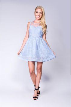 Idealna na wesela - błękitna, rozkloszowana sukienka #blue #błękitna #sukienka #dress #rozkloszowana #Depare