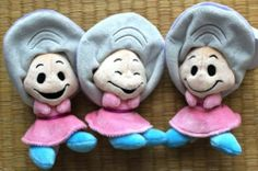 """The Disney Store """"Alice in Wonderland"""" Oysters plush Disney Plush, Disney Toys, Disney Fun, Disney Magic, Disney Movies, Disney Stuff, Walt Disney, Alice In Wonderland Party, Adventures In Wonderland"""