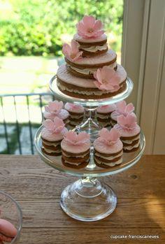 beautiful tea cakes