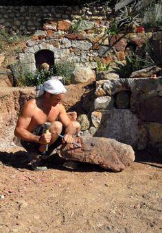 Escultura em pedra grés