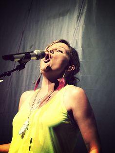 Jennifer I love your face! Haha @Sugarland