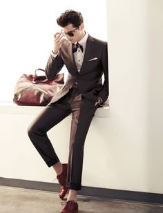 Love this outfit.  I need to get the shoes and the tie.