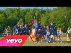 "Kristin Chenoweth, Dove Cameron - Evil Like Me (From ""Descendants"") - YouTube"
