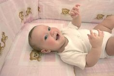 How to Sew Crib Bumper Pads thumbnail Wooden Baby Cot, Baby Crib Diy, Baby Boy Bedding, Crib Bedding Sets, Baby Cribs, Bumper Pads For Cribs, Cot Bumper, Crib Bumpers, Crib Tent