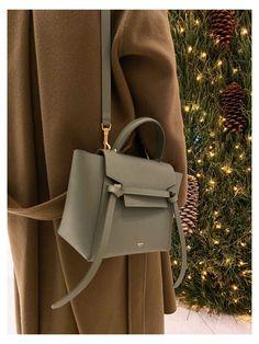 Celine Bag Luggage, Celine Belt Bag, Celine Trapeze Bag, Celine Coat, Bag Sewing, Sacs Design, Chloe Handbags, Lv Handbags, Louis Vuitton