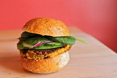 Spicy chickpea burgers... I want this recipe!