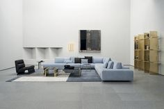 Discover Monsieur Modular, the unique leather sofa with a contemporary personality Minimalist Apartment, Minimalist Decor, Portfolio Design, Baxter Furniture, Teak, Japanese Interior, Modular Design, Modern Design, Modular Sofa