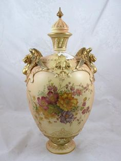 Find the worth of your Royal Worcester (England) urns. Research 425 prices and auction results. Learn the market value of your Royal Worcester (England) urns.