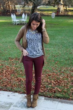 Glitter and Gingham : cheers Fall Winter Outfits, Autumn Winter Fashion, Winter Style, Fall Fashion, Burgundy Pants, Beige Sweater, Glamour, Fashion Outfits, Fashion Trends
