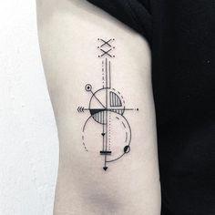 ✖️guitar✖️ . . . #타투 #그림 #아트 #그림타투 #드로잉 #스케치 #디자인 #일러스트 #블랙 #블랙타투 #tattoo #design #drawing  #greemtattoo #sketch #draw #tattooflash #blackink #ink #tattooart #illustration #black #blackwork #guitartattoo #기타타투 #라인타투 #기하학타투