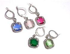 110263300107. Pendientes de plata de primera ley hippies cuadraditos de color a elegir verde oscuro, verde claro, rosa, fuxia o azul de dimensiones 8 cm x 8 cm    PRECIO: 25,90€
