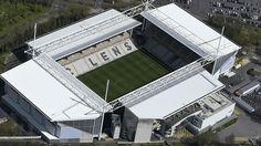Stade Bollaert-Delelis (Lens, 38 mil pessoas, estádio de 1934) - reformado: R$ 278 milhões