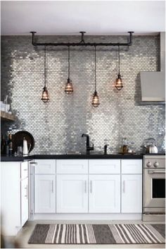 backsplash design ideas Kitchen backsplash design ideas from . Must-see kitchen backsplash tile designs and ideas.Kitchen backsplash design ideas from . Must-see kitchen backsplash tile designs and ideas. Kitchen Decor, Kitchen Inspirations, Home Interior Design, Metal Kitchen, House Interior, Home Kitchens, Kitchen Design, Kitchen Backsplash Designs, Kitchen Remodel