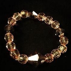 Cristales rosa y gris transparentes. #bracelets #arte #Andhycreaciones