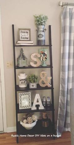 39 Comfy Farmhouse Living Room Decor Ideas To Copy Asap Home Living Room, Living Room Decor, Living Room Designs, Decor Room, Kitchen Living, Bedroom Decor, Ladder Shelf Decor, Ladder Bookcase, Rustic Decor