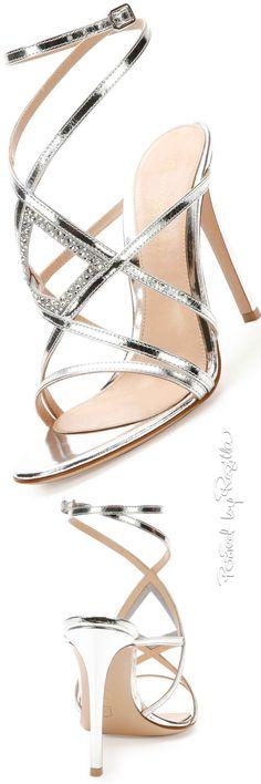Regilla ⚜ Gianvito Rossi                                                                                                                                                     More Stilettos, Pumps, High Heels, Dream Shoes, Crazy Shoes, Me Too Shoes, Shoe Boots, Shoes Heels, Mode Shoes