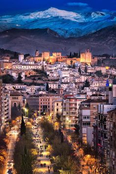 Granada, Grand Bazaar, Winter Night, Andalucia, Live Love, Travel Photos, Paris Skyline, Grand Canyon, Around The Worlds