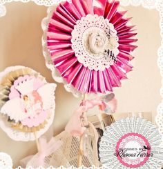 doily, lolly flower and rolled fabric flower in center....me likey!