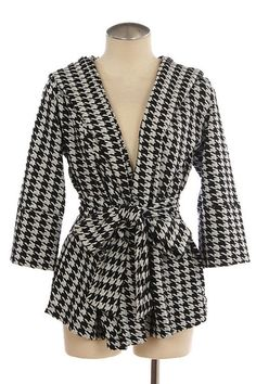 Hounds Tooth Patterned Waist Tie Jacket is perfect for fall and back to school!