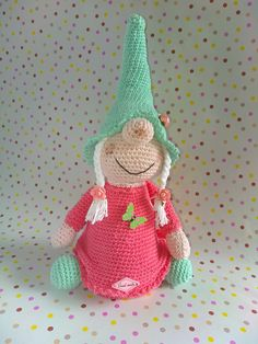 No pattern, only inspiration - Salvabrani Crochet Pig, Crochet Toys, Crochet Dolls Free Patterns, Knitting Patterns, Egg Toys, Elves And Fairies, Handmade Christmas Gifts, Drops Design, Holiday Ornaments