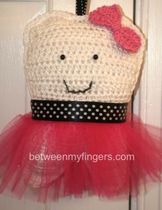 Tutu Tooth Fairy Pillow - Free crochet pattern by Sharon Frazier