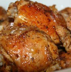 Tedd be a sütőbe és élvezd a csodás ízét! Meat Recipes, Chicken Recipes, Cooking Recipes, Hungarian Recipes, Chicken Legs, Garlic Bread, Kfc, Poultry, Food And Drink
