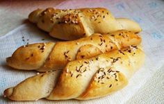 Czech Recipes, World Recipes, Hot Dog Buns, Bagel, Baked Goods, Toast, Food And Drink, Cooking Recipes, Lunch