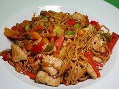 Gebratene chinesische Nudeln Fried Chinese noodles, a popular recipe with image from the category ve Meatloaf Recipes, Beef Recipes, Cooking Recipes, Turkey Recipes, Healthy Eating Tips, Clean Eating Recipes, Asian Recipes, Ethnic Recipes, Spaghetti Recipes