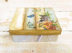 Caixa em MDF, decoradas com várias técnicas, podemos produzir em diversas cores, padrões e tamanhos, peça seu orçamento!