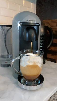 Coffee Shake, Coffee And Espresso Maker, Coffee Snobs, Coffee Mix, Coffee Is Life, Coffee Corner, Iced Coffee, Coffee Drink Recipes, Coffee Drinks