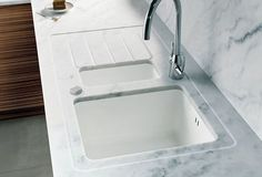 Minerva Carrara Marble Worktops - Acrylic countertops that look like marble - per Swoonworthy Kitchen Countertop Materials, Kitchen Worktop, Kitchen Countertops, Kitchen And Bath, New Kitchen, Kitchen Sink, Kitchen Cabinets, Cheap Kitchen Units, Kitchen Ideas