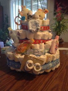 I made a diaper cake for my sis.. It was my first one that I made proud of myself