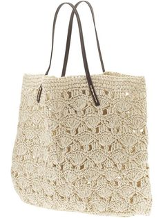 Michael Stars Lace Crochet Tote -variation of shell stitchLace Crochet Tote by Michael Stars. I'll bet my mom could crochet this easy-peasy!This post was discovered by Gü Looks like a knit seafoam stitch.crochet beach bag - Grace: I want one of thes Crochet Beach Bags, Crochet Tote, Crochet Handbags, Crochet Purses, Love Crochet, Diy Crochet, Crochet Crafts, Tote Handbags, Tote Bags