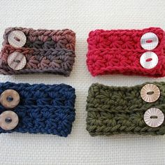 Star Stitch cuffs are a quick and easy last minute Christmas Gift or stocking stuffer! Find the free pattern at bhookedcrochet.com #crochet #bhooked #bhookedcrochet #freepattern #starstitch