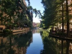 San Antonio, Texas: Riverwalk and the Alamo - Pin the World Travel San Antonio River, River Walk, Rio Grande, World, Places, Travel, Beautiful, Viajes, Trips