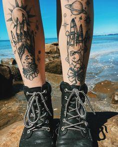 Tattoo Girls, Girl Leg Tattoos, Girls With Sleeve Tattoos, Cute Tattoos, Body Art Tattoos, Hand Tattoos, Tatoos, Wicca Tattoo, Witchcraft Tattoos