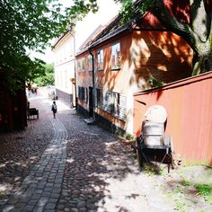 Skansen is a favorite both among Stockholmers and visitors passing through, and it's a perfect family outing. This is the oldest open-air museum. Swedish Traditions, Visit Stockholm, Family Outing, First World, Stuff To Do, Old Things, Museum, Island, Places