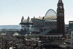 Safeco Field (left) - Home of the Seattle Maruners and CenturyLink Field (right)