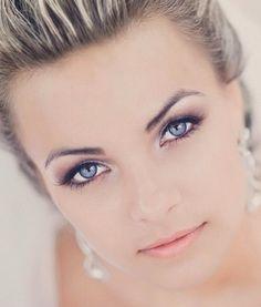 Wedding makeup : blue eyes