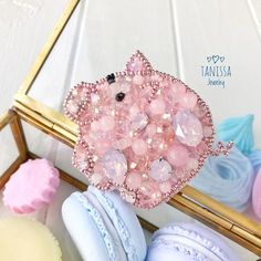 Items similar to Piggy brooch, pink pig brooch, piglet broo Bead Embroidery Jewelry, Beaded Embroidery, Inchies, Diy Lace Ribbon Flowers, Brooches Handmade, Handmade Beaded Jewelry, Beaded Cross Stitch, Beaded Animals, Beaded Brooch