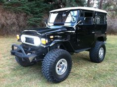 FJ40 Land Cruiser in Black