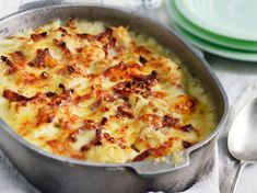 Discover our easy and fast recipe of Cauliflower Gratin with bacon and Comté on Cuisine Actuelle! Source by Watermelon Diet, Watermelon Recipes, Keto Fastfood, Keto Fast Food Options, Comte Cheese, Cauliflower Gratin, Cauliflower Cheese, Batch Cooking, Cheese Recipes