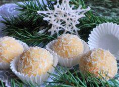 Kokosovo-ořechové mlsání - DĚLBUCHY | NejRecept.cz Christmas Baking, Christmas Cookies, Looks Yummy, Recipe Box, Truffles, Rum, Deserts, Projects To Try, Food And Drink