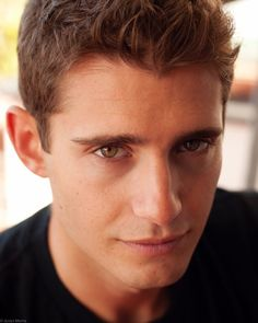Julian Morris is confirmed to play Prince Phillip on Once Upon A Time this season. Julian Morris, Oliver Jackson Cohen, Vanessa Redgrave, Beautiful Men, Beautiful People, Hello Gorgeous, Pretty People, Bbc, Liam Neeson