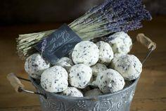 Badekugel mit Lavendel