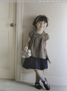 From a japanese pattern book- little girls clothes to sew, blouse with Peter Pan collar, so demure and pretty!