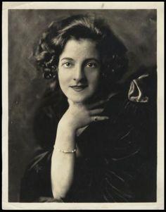 Photographer: Alfred Cheney Johnston Performer: Elsie Janis Provenance/Credit: Jane Rasa Historic Ziegfeld