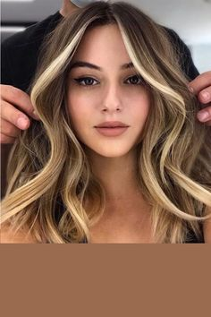 Brown Hair Balayage, Brown Blonde Hair, Black Hair, Dark Blonde Hair Color, Golden Hair Colour, Color For Brown Hair, Hair Color For Tan Skin Tone, Carmel Hair Color, Beige Hair