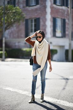Such a beautiful color of a sweater! @9to5chic
